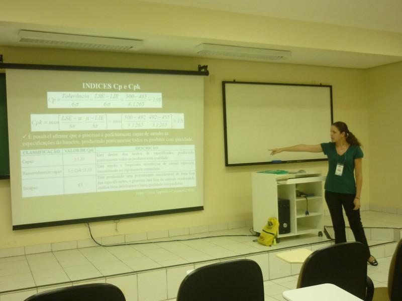 Apresentação de Liliane de Almeida no SIMPEP
